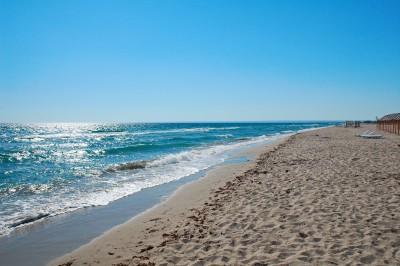 Морской пляж, июль